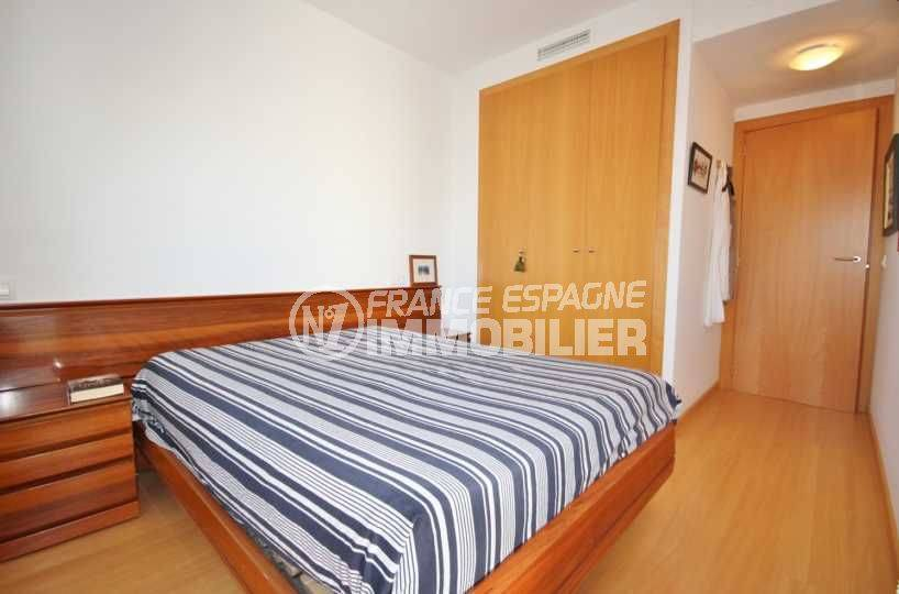 agence immo roses espagne: appartement ref.3497, chambre 1 avec lit double et placards