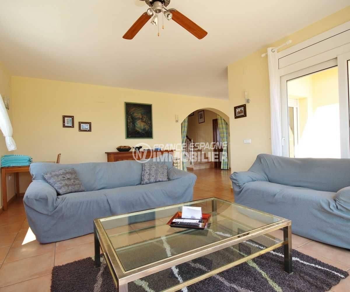 vente maison costa brava, ref.3501, vue sur le salon / séjour avec accès terrasse