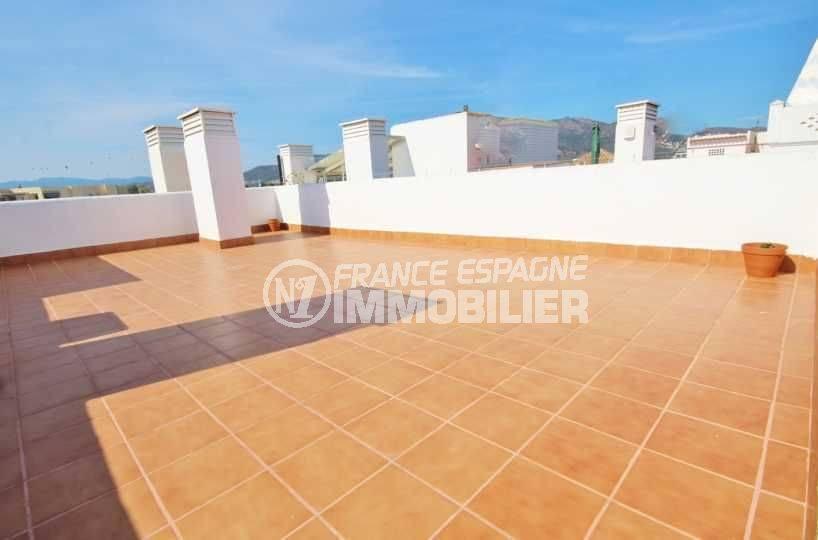 agence immobilière roses: appartement ref.3497, vue sur le solarium de 58 m²