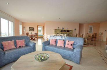 immobilier costa brava vue mer: villa ref.2364, salon / salle à manger appartement du bas