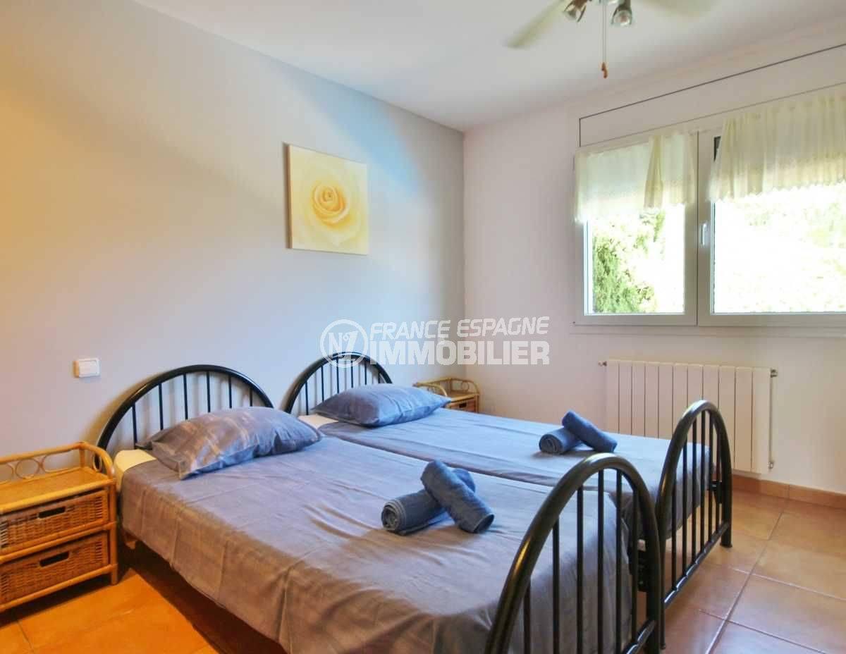 achat maison espagne costa brava, ref.3501, troisième chambre, 2 lis simples