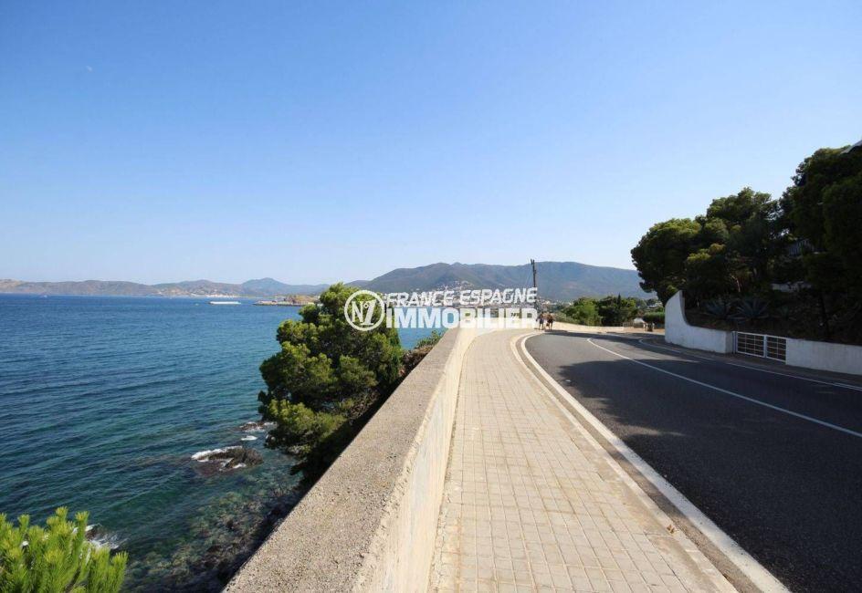 appartement espagne costa brava, ref.3488, aperçu de la route amenant à la plage environnante