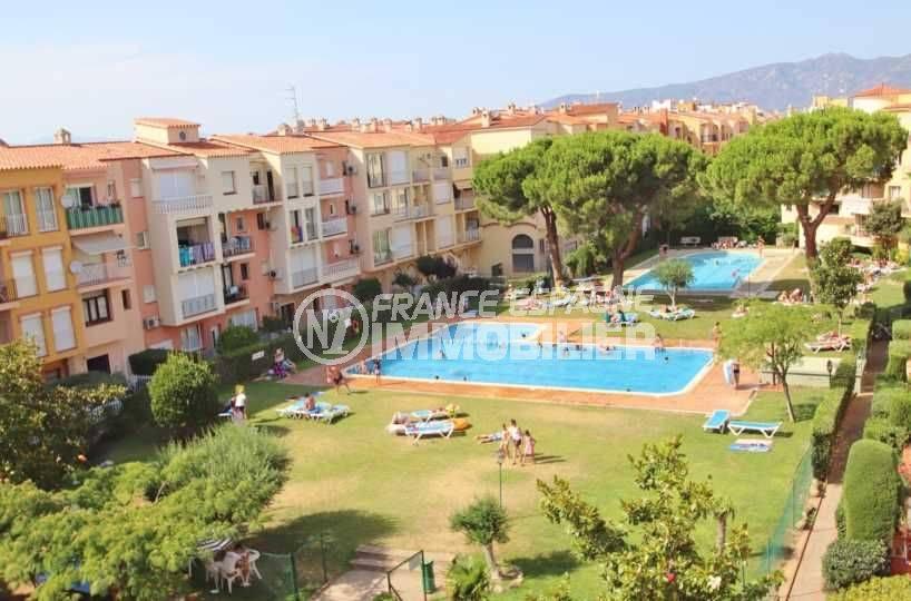vente appartement empuriabrava, proche plage, vue sur résidence & piscines
