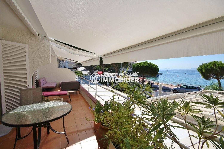 appartement a vendre rosas: front de mer, accès plage direct - canyelles