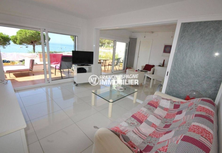 agence immobiliere roses: appartement vue mer imprenable, plage 50 m