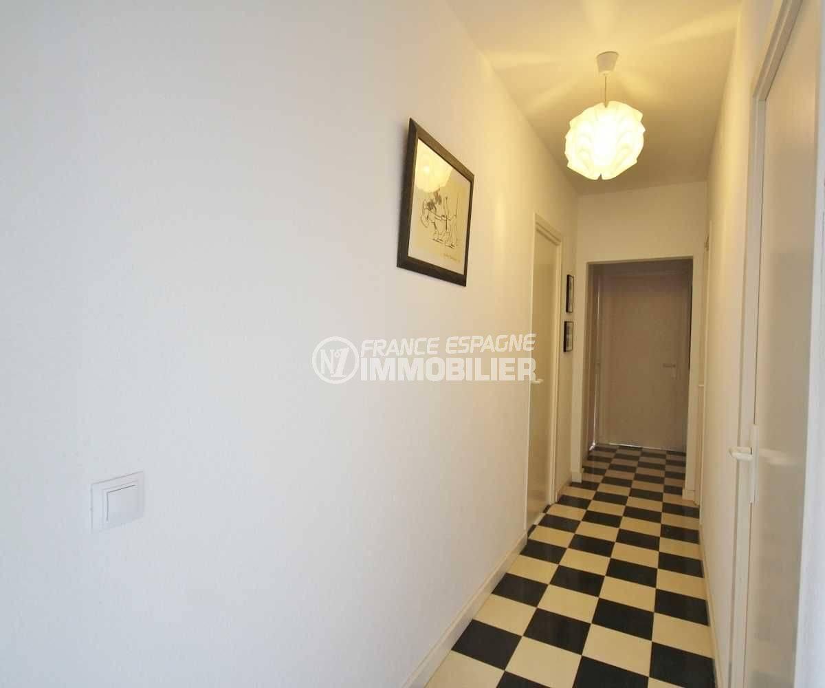 couloir desservant les chambres