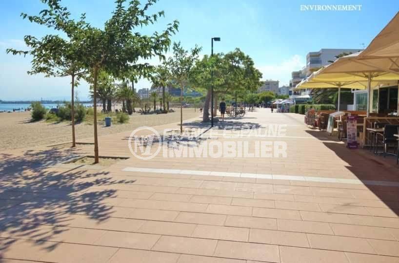 vente immobilier rosas espagne: appartement ref.3482, commerces & restaurants le long de la plage aux environs