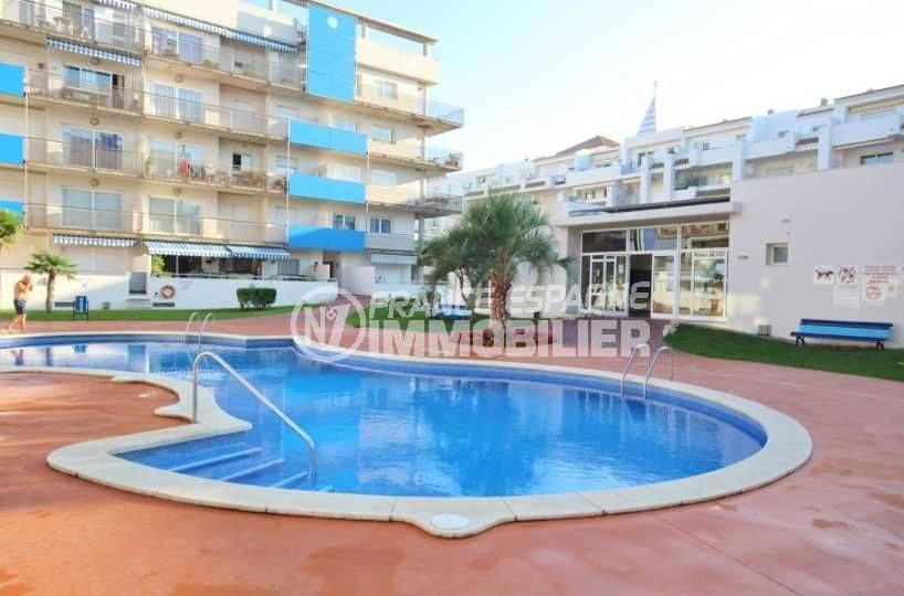 rosas appartement vue mer avec piscine