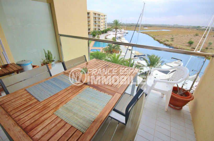 vente appartement rosas, résidence standing avec piscine en commun, cave privée