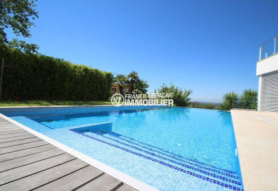 la costa brava: villa standing, vue sur la piscine de 11 m x 5 m