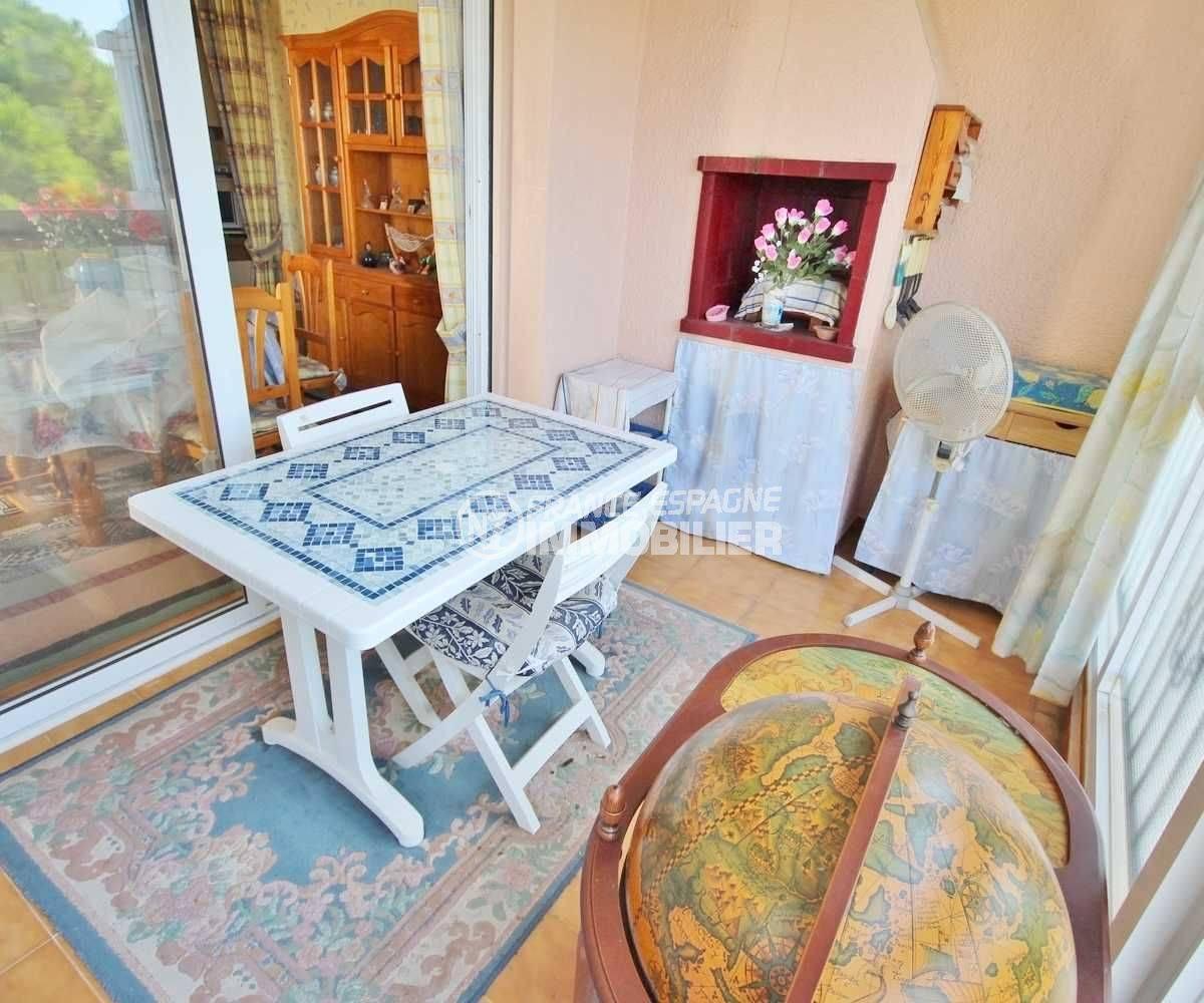 appartement roses - 39m² avec terrasse/veranda vue mer, piscine - petit prix