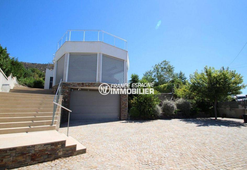 acheter maison costa brava, garage pour 2 véhicules 9 m x 5 m, parking cour intérieure