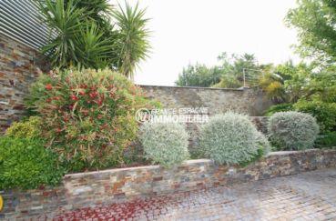 vente immobilier costa brava: villa 476 m², vue sur parking cour intérieure (5 véhicules)