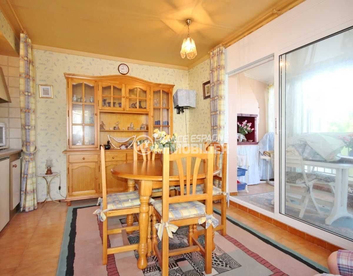 immobilier espagne pas cher appartement roses vue mer montagne