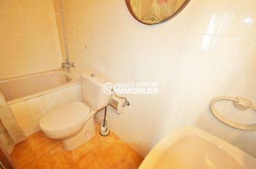 achat appartement rosas, ref.3517, aperçu de la salle d'eau avec wc