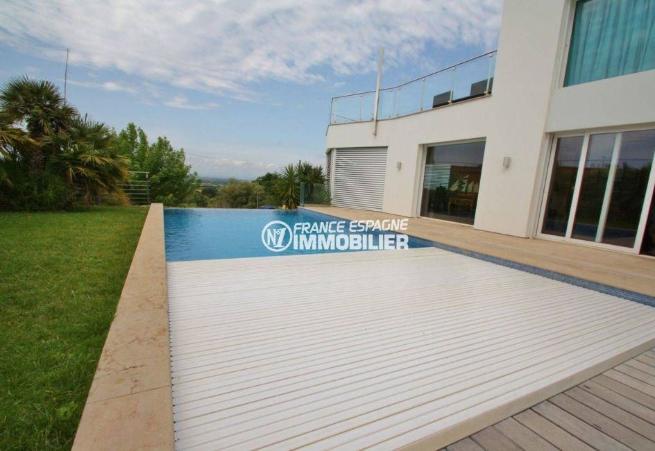 achat maison espagne costa brava, palau, piscine avec bâche électrique de protection