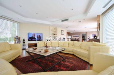 achat villa costa brava, piscine, salon / séjour lumineux et spacieux