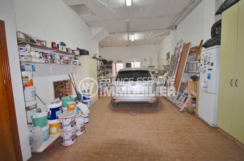 immobilier espagne roses: villa 285 m², grand garage avec de nombreux rangements