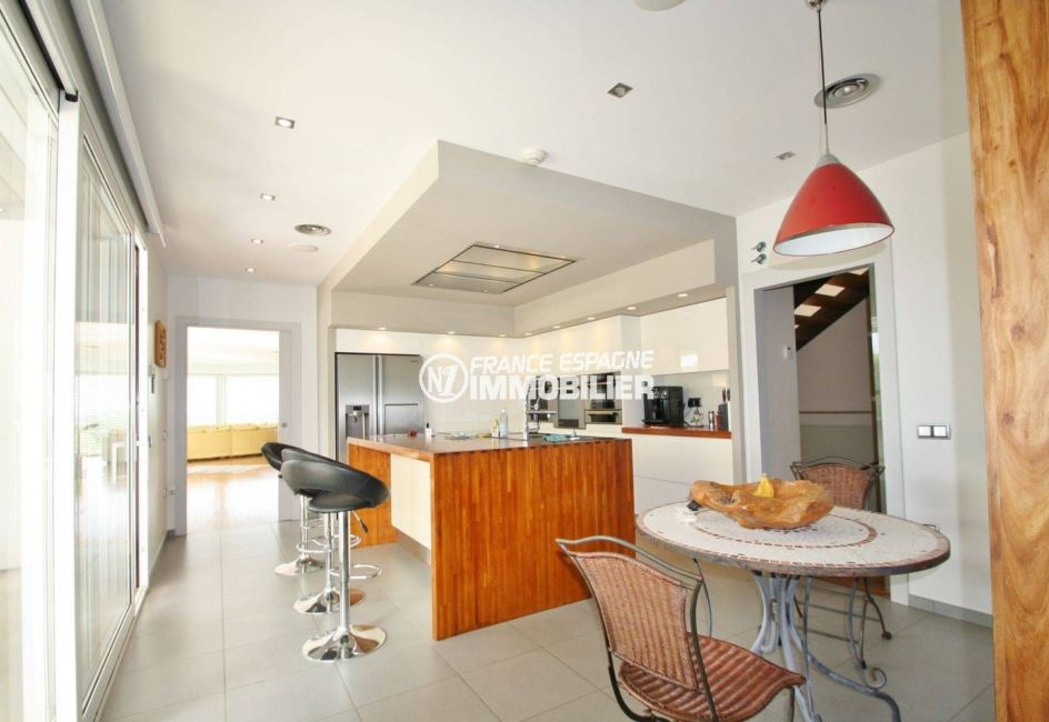 immobilier costa brava vue mer: villa 476 m², cuisine indépendante avec rangements, coin repas