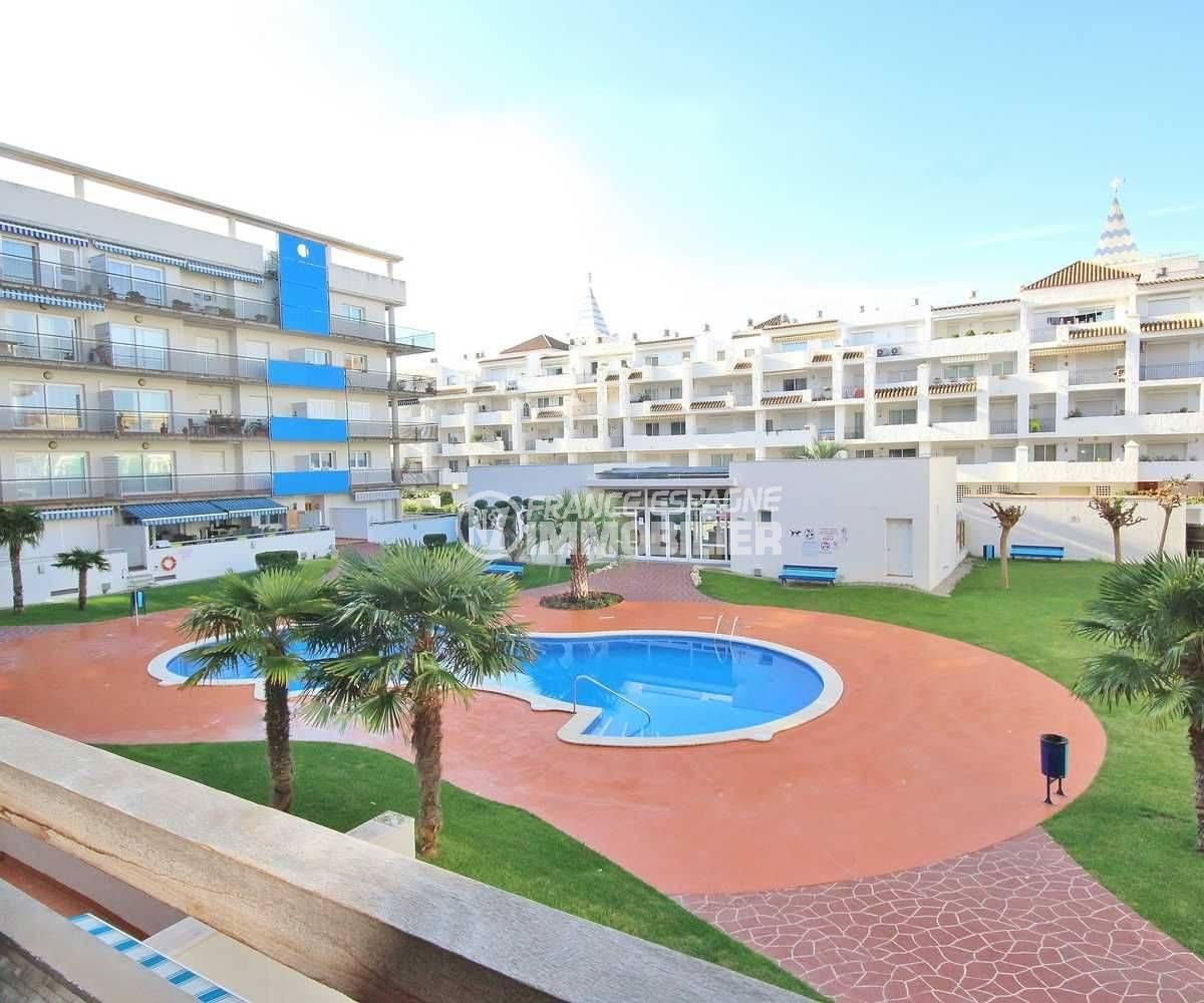agence immobilière roses : vend appartement à santa margarita avec piscine commune