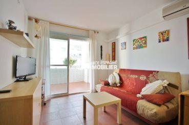 roses immo : appartement 50 m² construit, avec piscine commune
