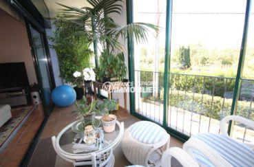 peralada espagne: villa 387 m², vue dégagée depuis la terrasse véranda