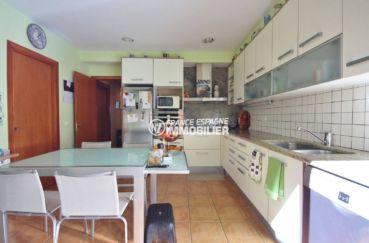 vente immobilier costa brava: villa de 278 m², grande cuisine indépendante aménagée