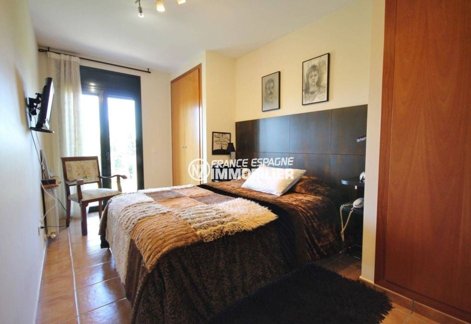 vente immobiliere espagne costa brava: villa 278 m², suite parentale accès terrasse