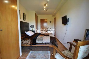 vente immobilière espagne costa brava: villa 278 m², suite parentale avec salle de bains adjacente