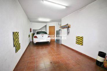 immobilier peralada: villa de 278 m², aperçu du grand garage