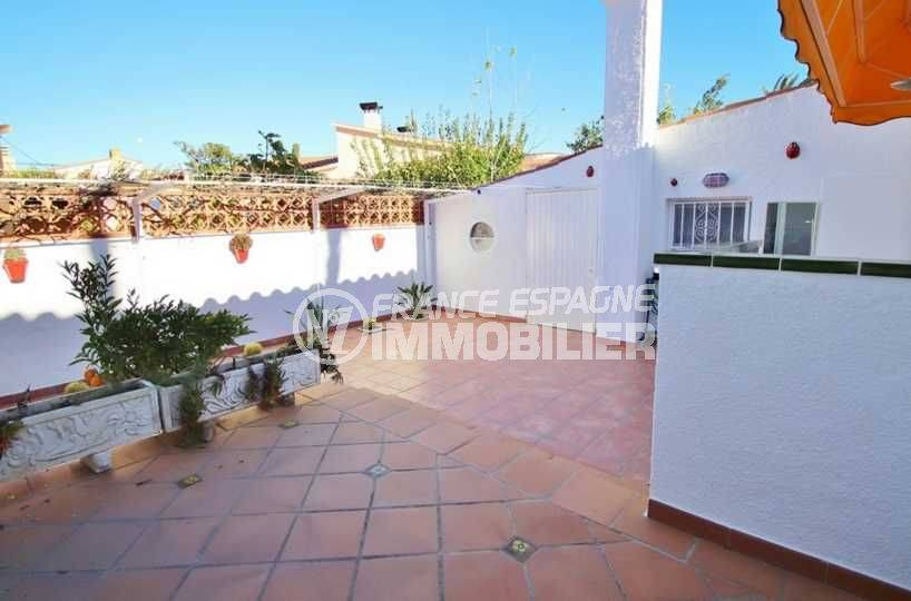 vente villa empuriabrava, ref.3566, terrasse sur terrain de 550 m²