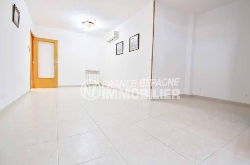 Roses appartement atico spacieux avec terrasse