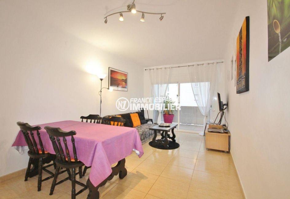 vente appartement rosas, appartement 57 m² à 400m plage, salon / séjour accès terrasse 10 m²