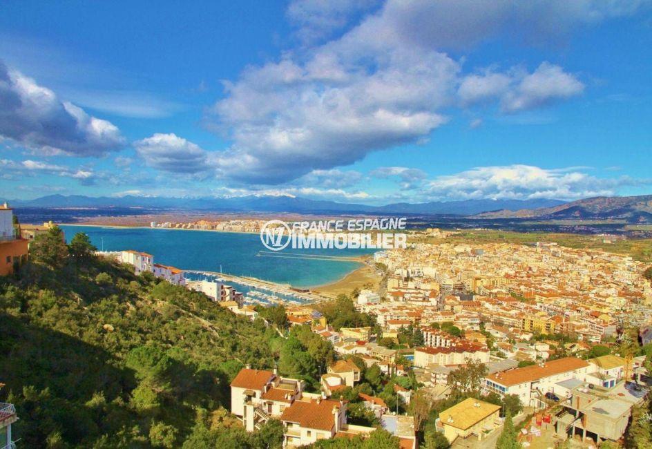 agence immo rosas: appartement ref.3102, vue sur les montagnes et la baie environnante