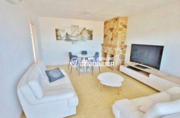 immo espagne costa brava: appartement ref.3102, séjour / salle à manger avec cheminée
