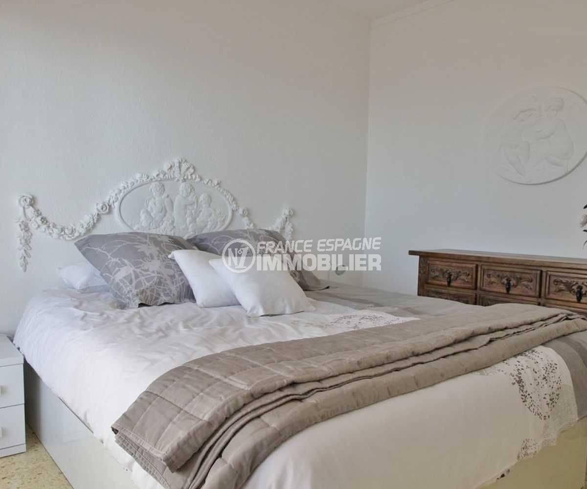appartement costa brava, ref.3102, chambre 1 avec lit double et rangements