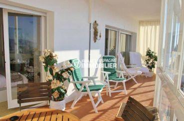 agence immobilière roses: appartement ref.3102, terrasse de 20 m² accès séjour et chambre
