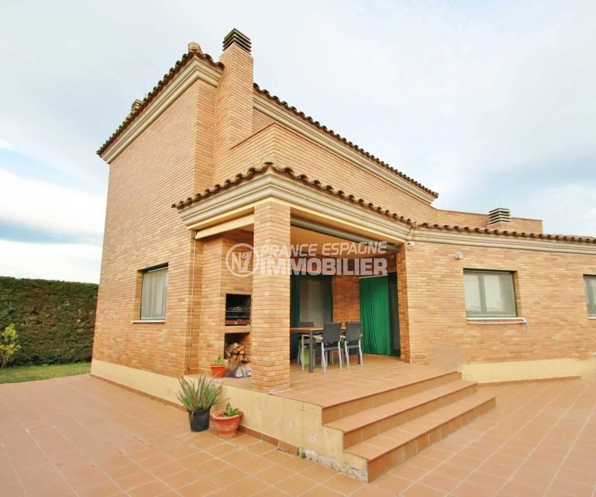 Agence immobilière Catalogne Espagne - Vue villa en façade