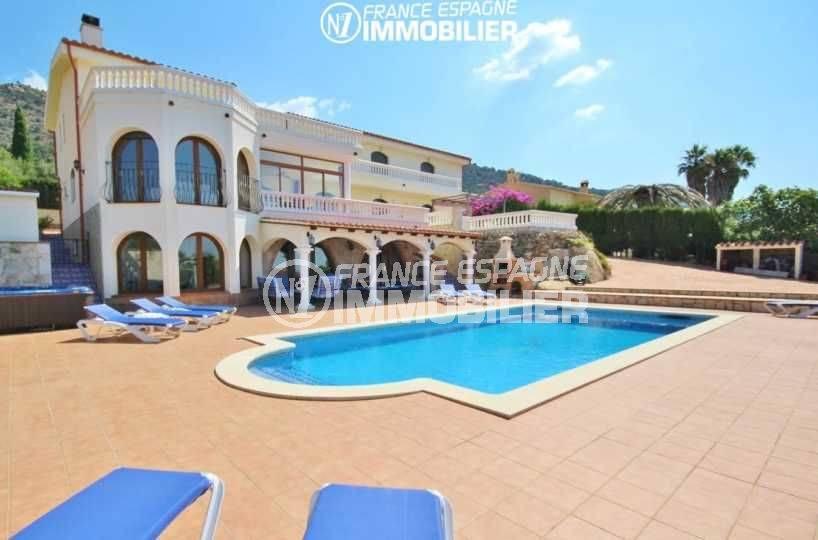 Immobilier Palau Saverdera: villa standing avec vue mer et piscine