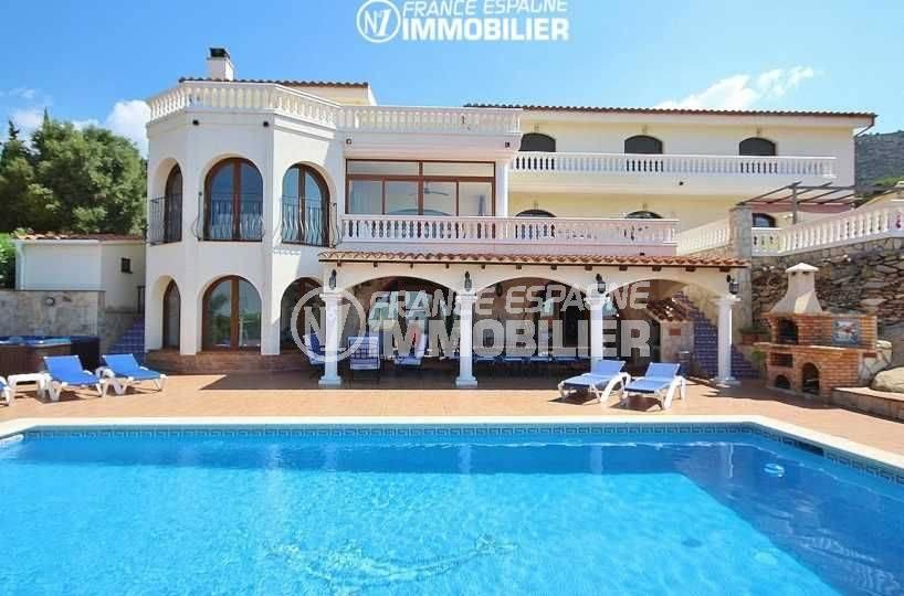 maison a vendre espagne, proche palau, vue sur la piscine, terrasse espace détente et bbq