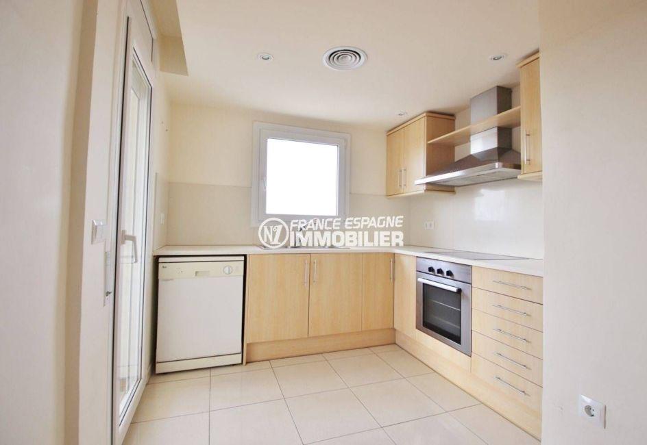 immo empuriabrava: appartement duplex 146 m², cuisine indépendante aménagée