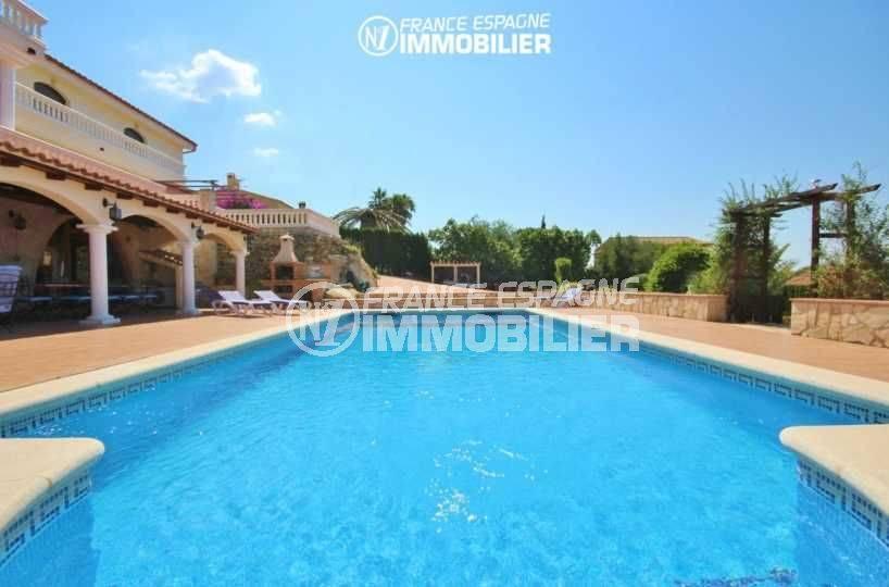 immobilier costa brava: villa avec terrain de 1266 m², vue plongeante sur la piscine