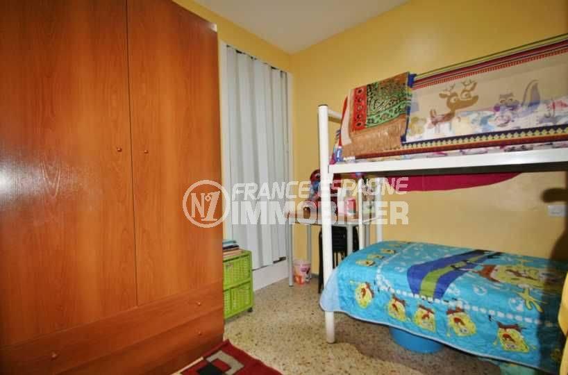 agence immobiliere rosas: appartement ref.3579, aperçu de la deuxième chambre (enfants)