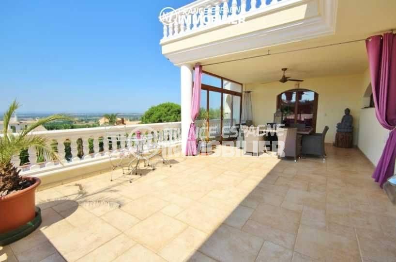 acheter maison costa brava, proche palau, grande terrasse à l'étage avec vue sur la mer