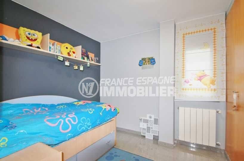 n1immobilier: villa ref.3582, aperçu de la chambre 3 avec placards