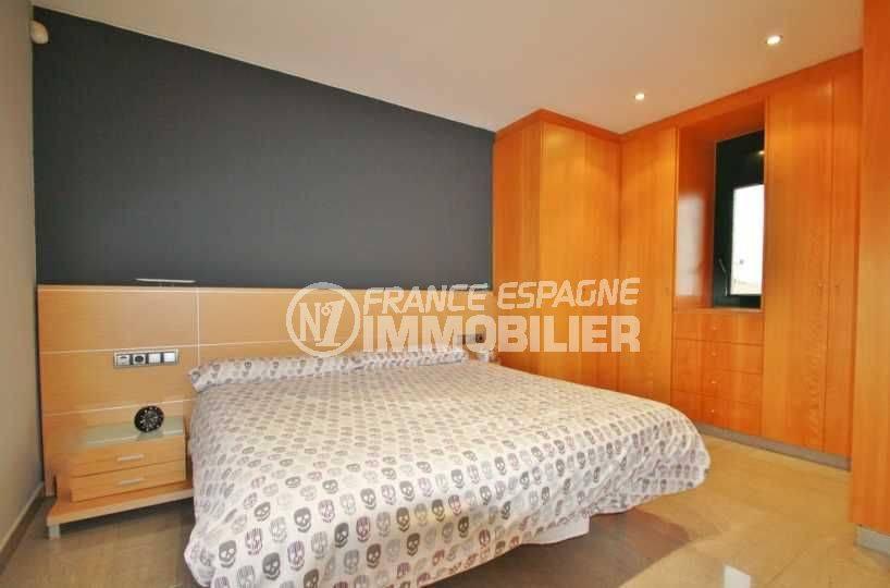 maison a vendre espagne catalogne, ref.3582, deuxième chambre avec des placards