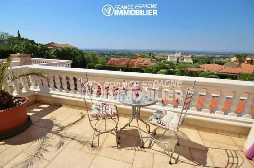 vente immobilier costa brava: villa de 516 m², vue dégagée depuis la terrasse