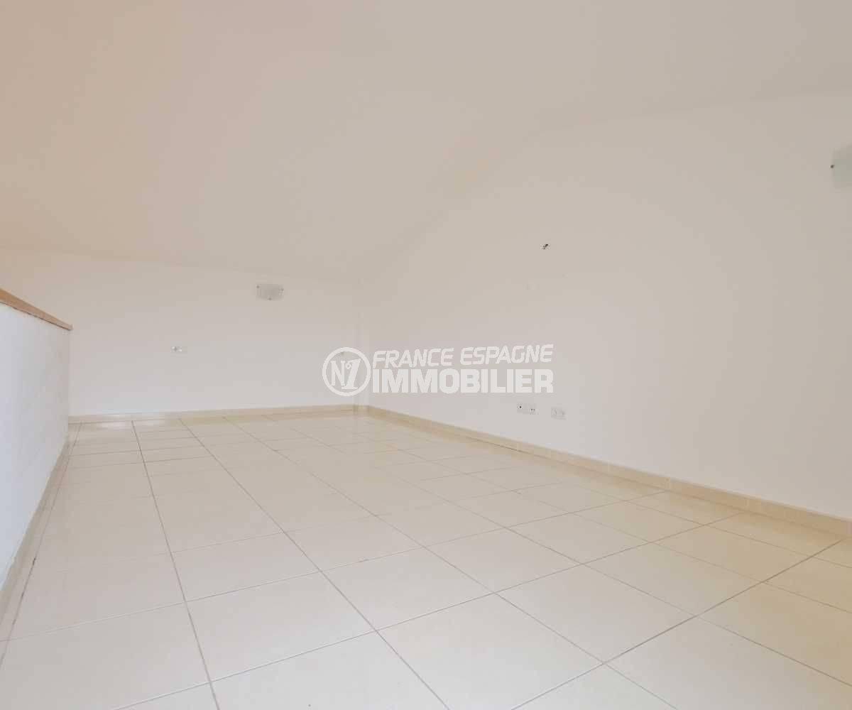 immobilier a empuriabrava: appartement 146 m², possibilité d'une troisième chambre