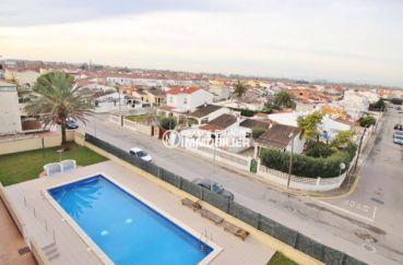 costabrava immo: appartement 146 m², vue sur la piscine et le voisinage autour de la résidence