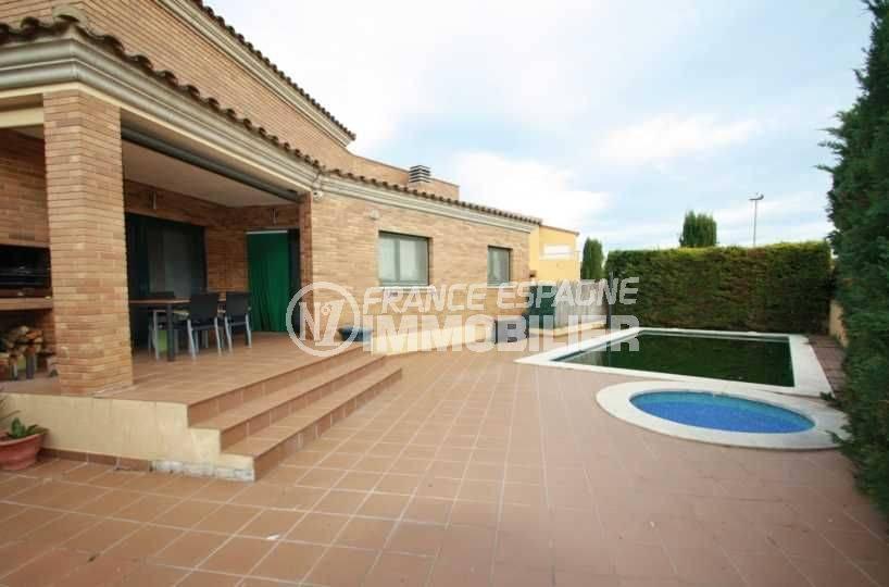 achat immobilier costa brava: ref.3582, villa de 319 m² avec une piscine